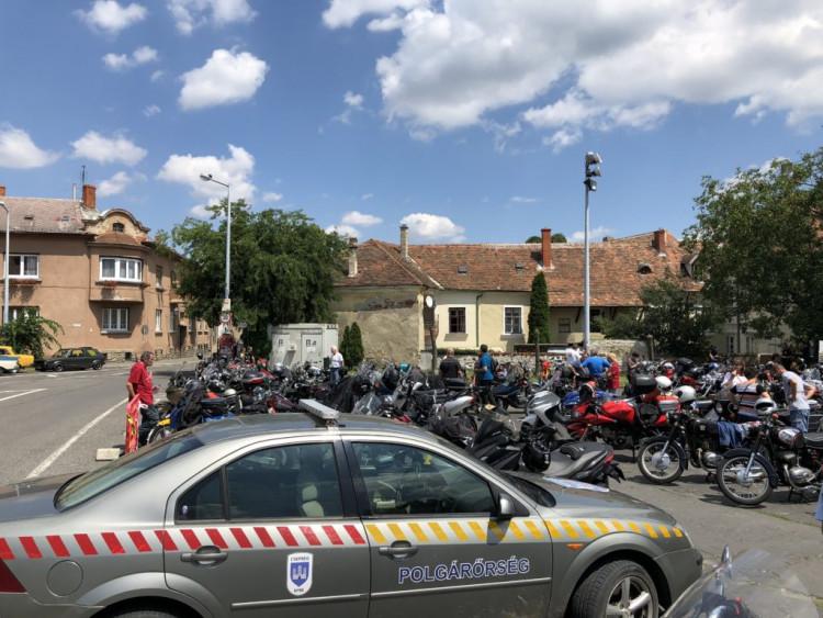 Veterán motorosok vonulását segítette a polgárőrség