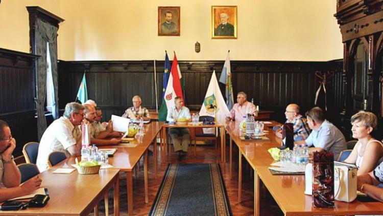 Kihelyezett elnöki fórum (OPSZ)