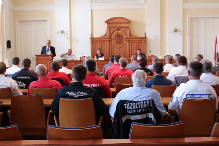 Megköszönték a polgárőrök és az önkéntes tűzoltók munkáját