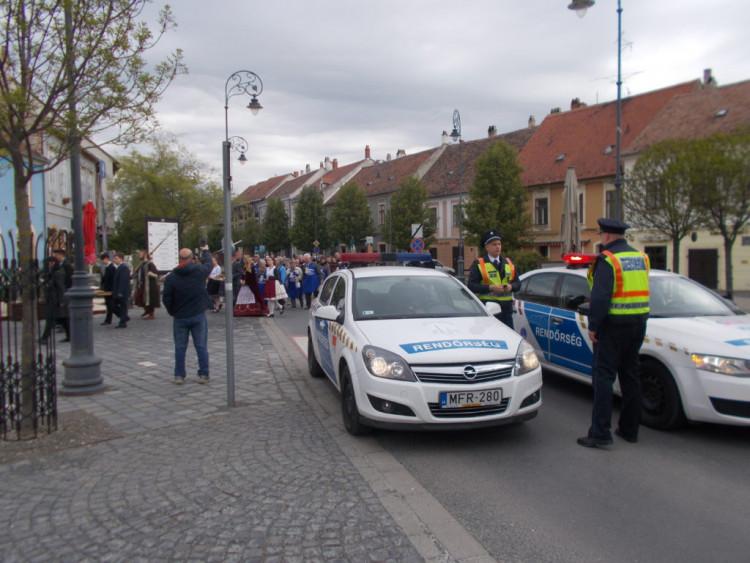 A rendőrség és a polgárőrség összefogása a balesetmentes húsvétért