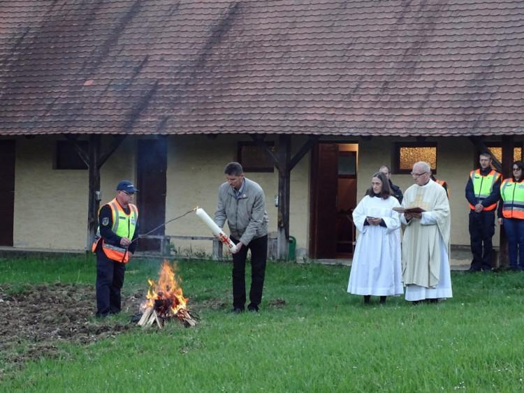 Húsvéti körmenet Rönökön