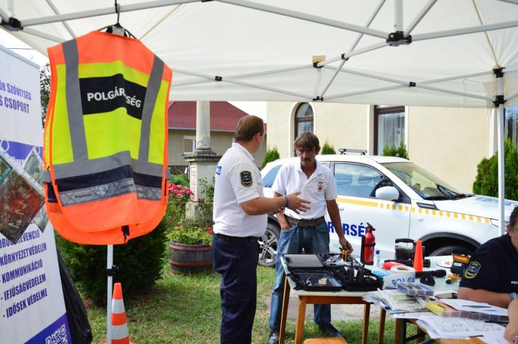 Olaszfán járt a VMPSZ Kommunikációs sátra