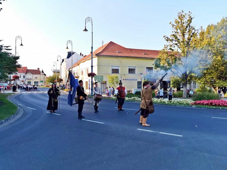 Sárvári szüreti felvonulás polgárőrökkel