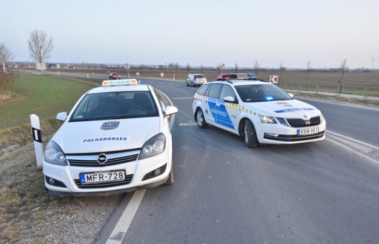 Közlekedési balesetnél segédkezett a sárvári polgárőr