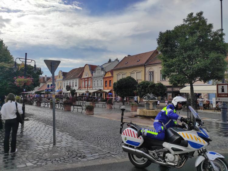 Megyén áthidaló összefogás Kőszegen a versenyzők biztonságáért